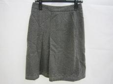 フレアバイジョーのスカート