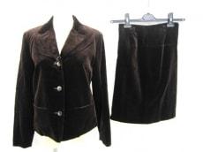 アドバンテージサイクルのスカートスーツ