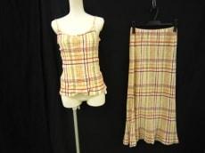 クレプリのスカートスーツ