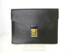 LOUIS VUITTON(ルイヴィトン)のポルトドキュマンセナトゥールのビジネスバッグ