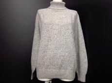 フレアバイジョーのセーター