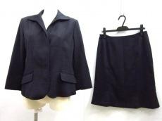 アツキオオニシのスカートスーツ