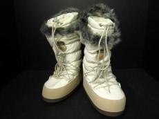 キンバーフィールのブーツ