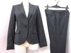 リセオのレディースパンツスーツ