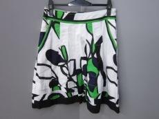 ルネデリーのスカート