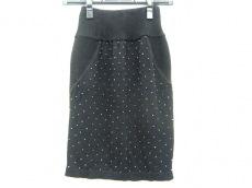 ルラティブマンのスカート