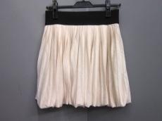 キアラペルラのスカート