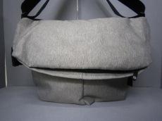 コートエシェルのショルダーバッグ
