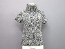 アプレジュールのセーター
