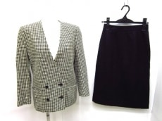 ラモードロペのスカートスーツ