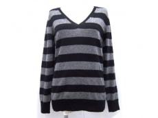 ブティックトレイズのセーター