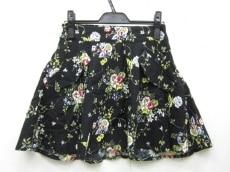 アベックガールズのスカート