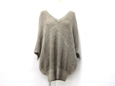 エマキュレイトのセーター