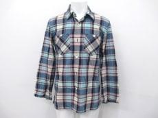 アヴォイドのシャツ