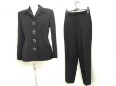 ジャンニバレンチノのレディースパンツスーツ