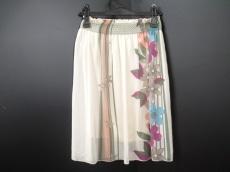 ウィーバーのスカート