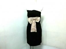 イクシアのドレス