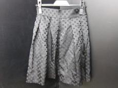 グラヴィタス&グレイスのスカート