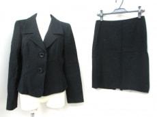 ディナバックマンのスカートスーツ