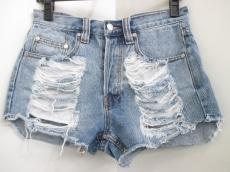 ミンクピンクのジーンズ