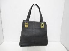 ベッツィーゴンザレスのハンドバッグ