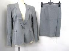 マーニのスカートスーツ