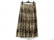 ブリジットバルドーのスカート
