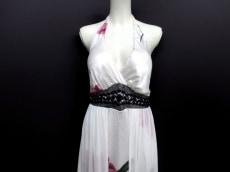 エスケープのドレス