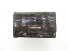 miumiu(ミュウミュウ)のキーケース