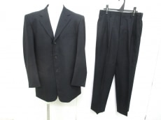 ブラックパールのメンズスーツ