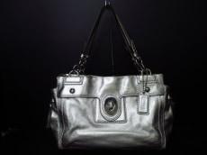 COACH(コーチ)のペイトン レザー キャリーオールのハンドバッグ