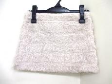 ビッテンアップルバイブロンディのスカート