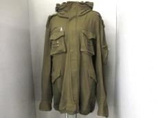 デイリーニュースのコート