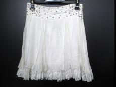 ラブセックスマニーのスカート