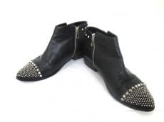 グラップバニスターのブーツ