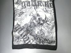 galliano(ガリアーノ)のスカーフ