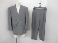 アントニオ フスコのメンズスーツ