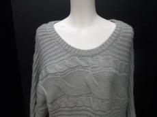 キュレーターのセーター