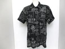 ディスカバードのシャツ