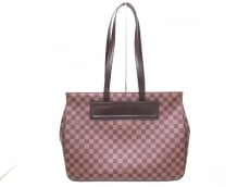 LOUIS VUITTON(ルイヴィトン)のパリオリGMのトートバッグ