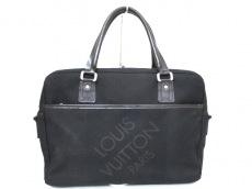 LOUIS VUITTON(ルイヴィトン)のヤックのビジネスバッグ