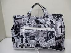 エスケープのハンドバッグ