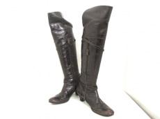 アルベルトフェルマーニのブーツ