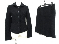 ERMANNO SCERVINO(エルマノシェルビーノ)のスカートスーツ