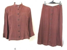 ジンアベのスカートスーツ