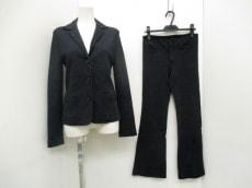 エミスフェールのレディースパンツスーツ