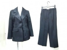 ジョンロシャのレディースパンツスーツ
