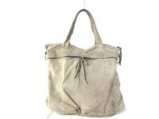 ナタリアブリリのハンドバッグ
