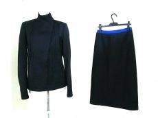 VIKTOR&ROLF(ヴィクター&ロルフ)のスカートスーツ