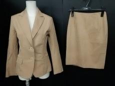ビドンナのスカートスーツ